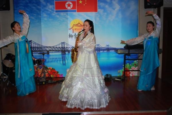 朝鲜歌舞表演 2