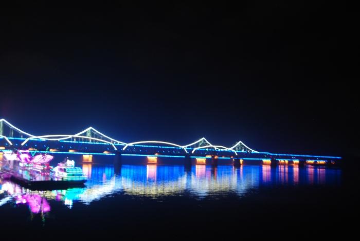 鸭绿江断桥夜景