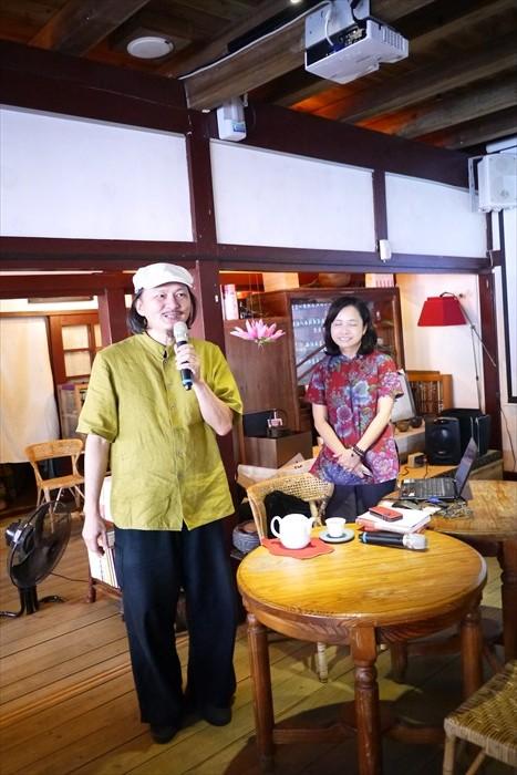 品茶是一种享受,配合王美霞以诗会茶的演说,这裡的茶香是从浓厚的文化裡飘散出来的。