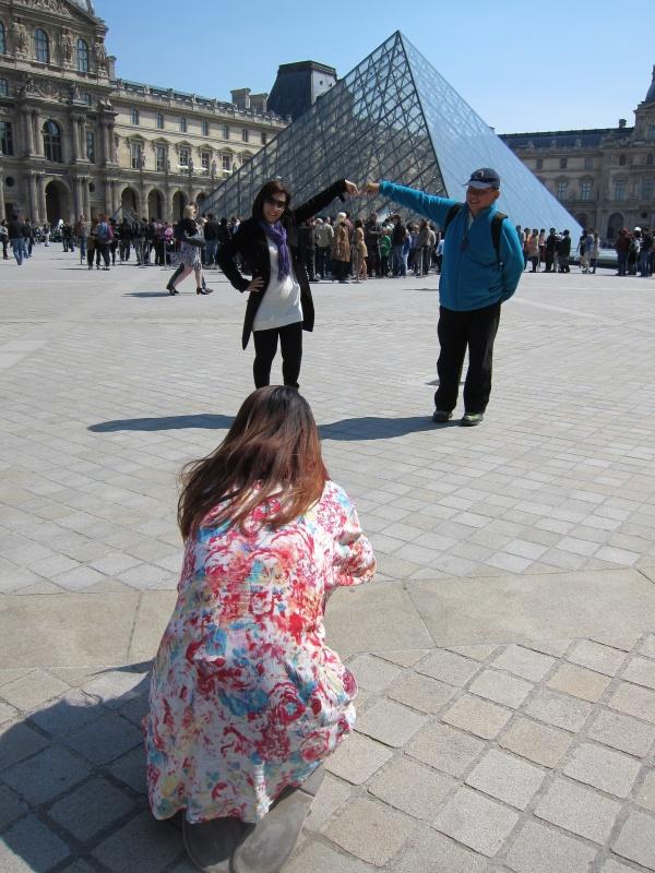 """贝聿铭是不会想到他的伟大作品成了扒手集团的温床:游客们请""""提防扒手""""!"""