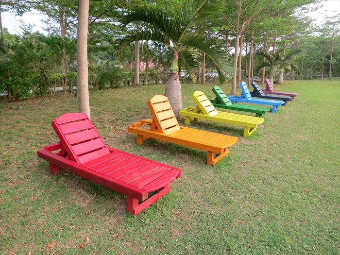 七彩躺椅,选你喜欢的颜色躺下去!