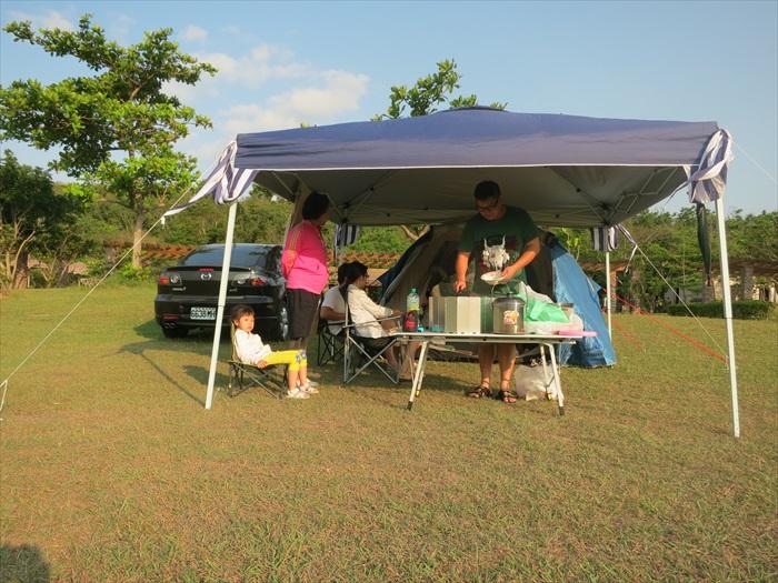 适逢假日,许多家庭都喜欢前来露营、野餐过家庭日。
