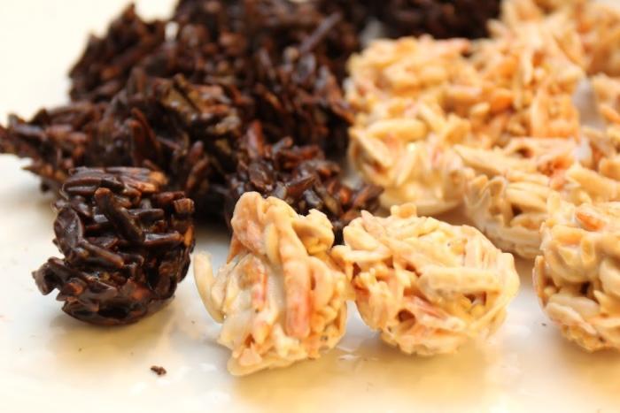 樱花虾和巧克力的配合,意外地圆融,有机会一定要试试。