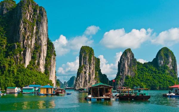 Angeln-In-Halong-Bay-Vietnam