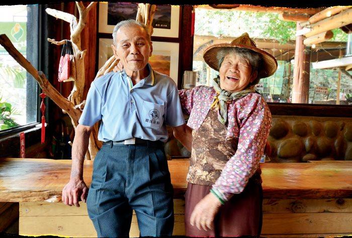 家有一老,如有一宝,可爱的蔡阿公和阿嫲就是大坑休闲农场里的一对活宝。