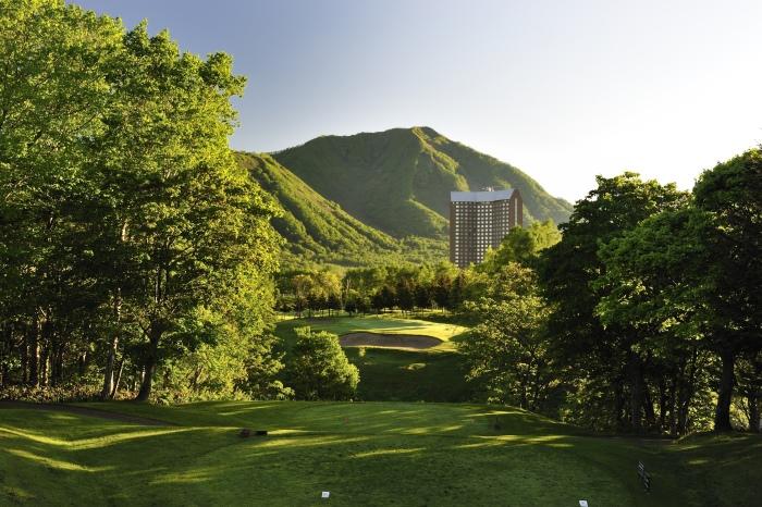 夏季的留寿都度假村虽然没有白雪,但多种夏季专属活动依旧能吸引不少日本游客前往度假。