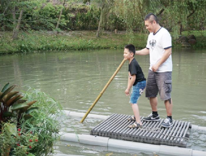 有时间的话,还可以来个湖上泛舟。