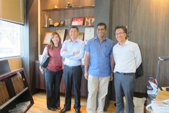 Dato Bernard 与蘋果旅遊两位掌舵人相识已久,是很好的朋友和合作伙伴。