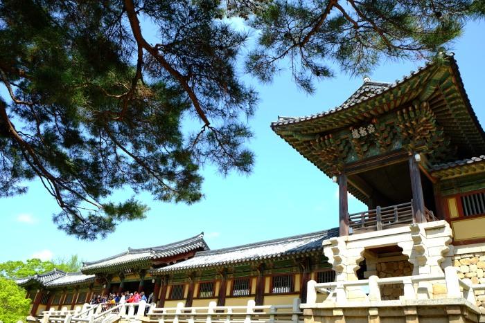 佛国寺是韩国最大的寺院,也是最精美的一座。