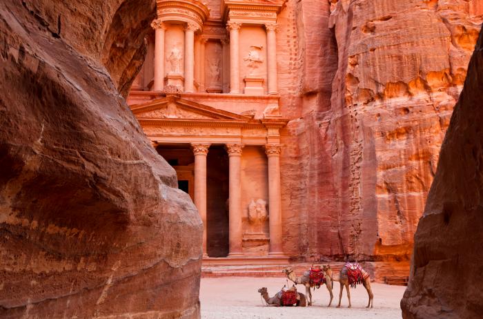 佩特拉古城与骆驼合影。
