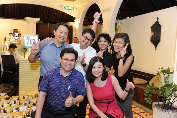 台湾交通部观光局驻吉隆坡办事处主任曹逸书(左后一)也到场支持!
