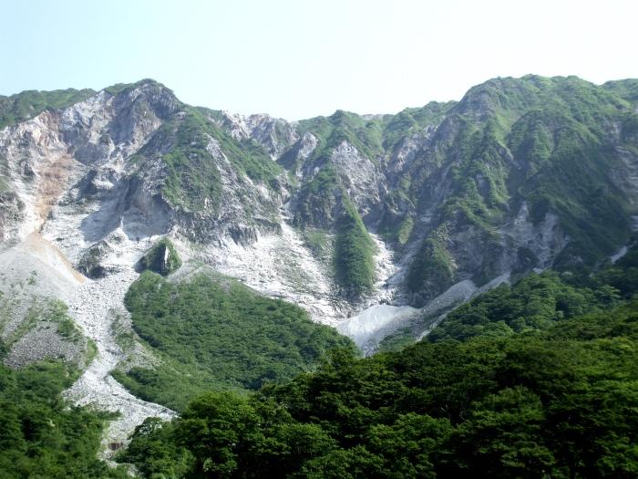 鸟取县名胜:大山。秋天和赏满山红叶,冬天可滑雪!