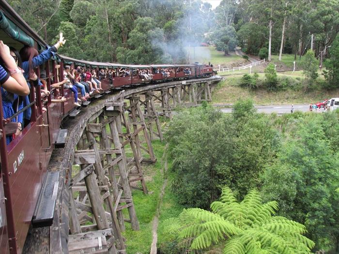 澳洲最古老的普芬蒸气古董火车。