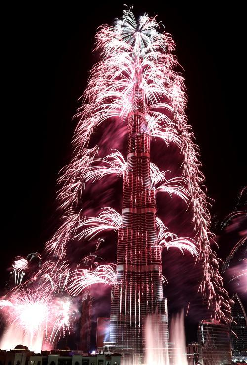 全世界最高建筑 --  哈利法塔