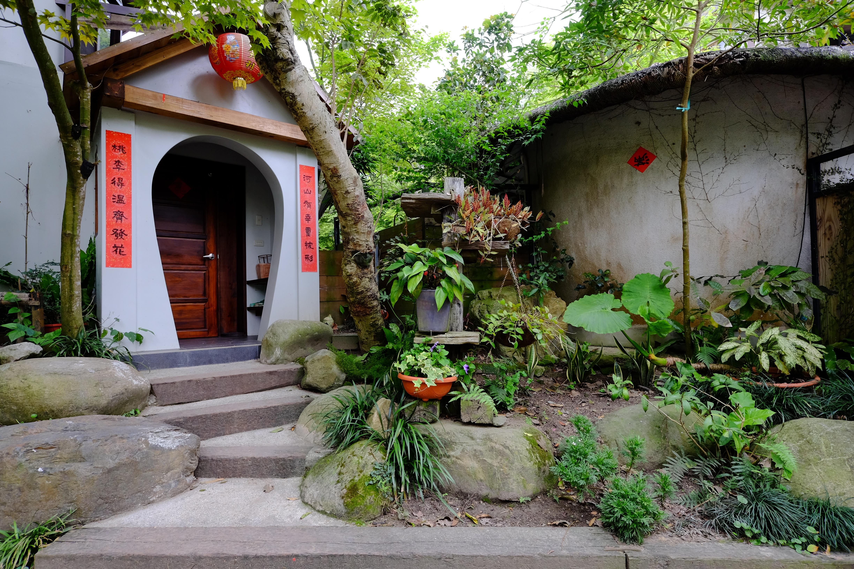 依山傍水而建的卓也园区虽不大,却有着一个旧时村落的景致与功能,酷似早期的台湾农家。