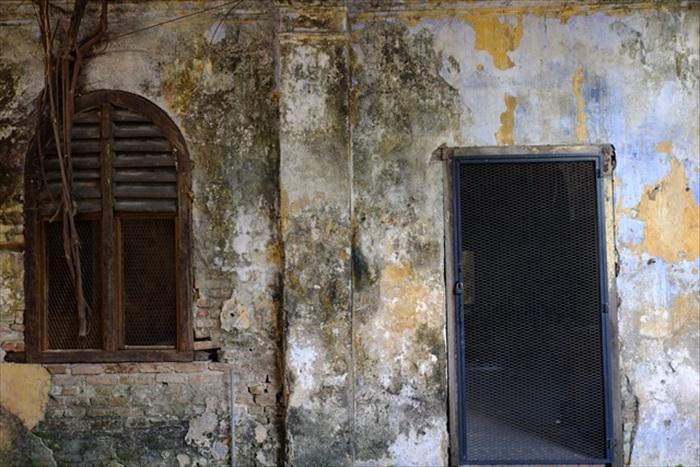 Sekeping Kong Heng斑驳的墙