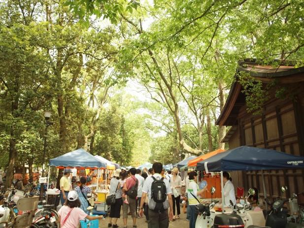京都的跳蚤市集皆属于超大型且种类繁多。