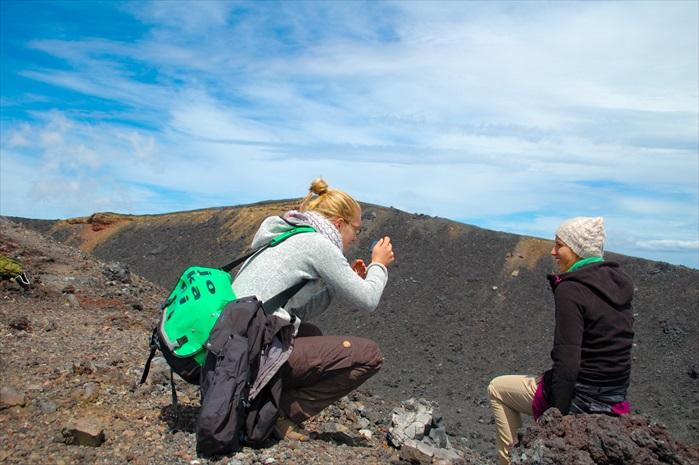 就是这两位德国女生,我才没有错过了登上末日山口。