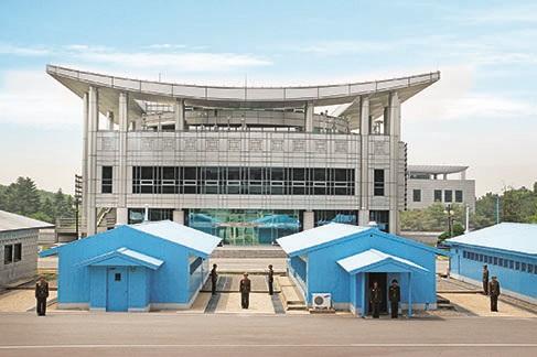 韩战中,南北韩的代表在板门店签订《朝鲜停战协定》而闻名。