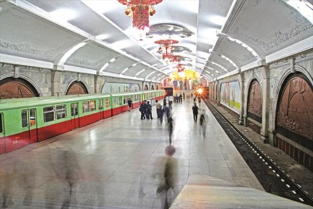 平壤地下铁是一个具有俄罗斯风格的地下铁。