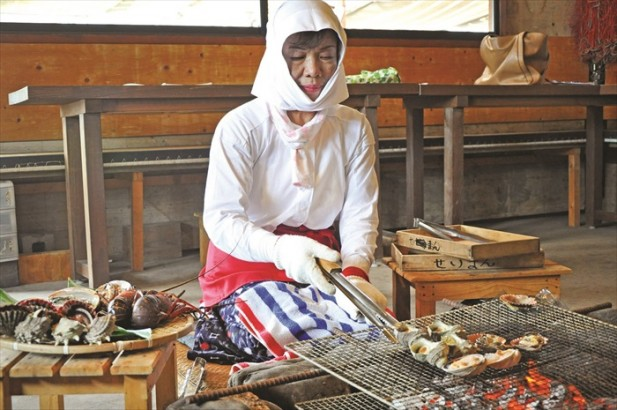 我享受了一餐海女招待的海鲜飨宴。(一)