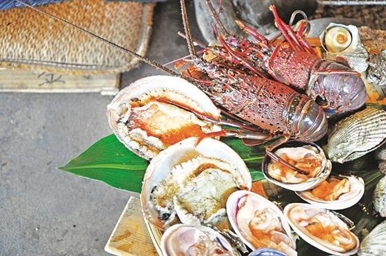 我享受了一餐海女招待的海鲜飨宴。(二)