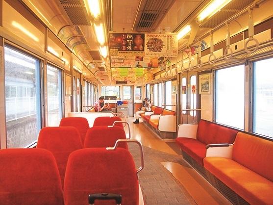 列车内设计非常舒服宽敞。