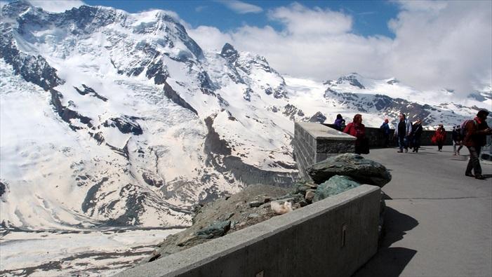 360度的景观台,让你能将冰川美景全纳入眼帘。