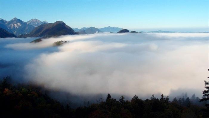 幸运的话,还可以一睹浩瀚的云海。
