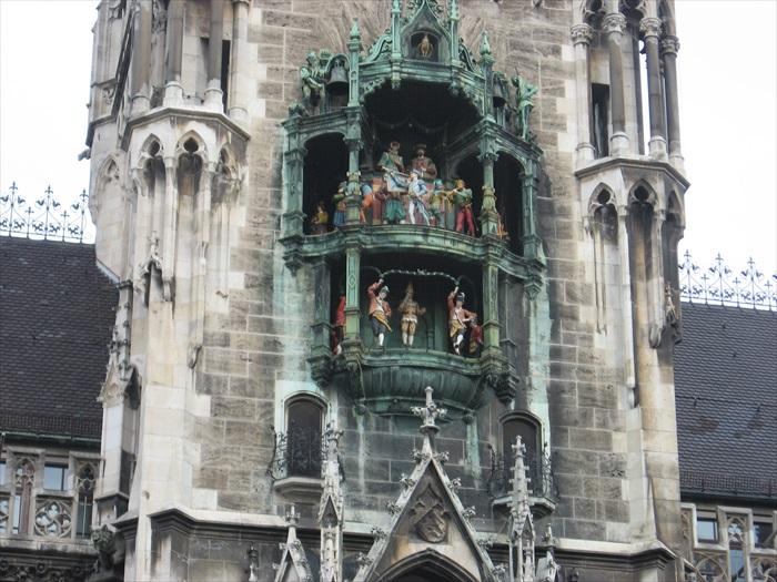 欧洲最大、最具代表性的旋转钟,也是值得一看的!