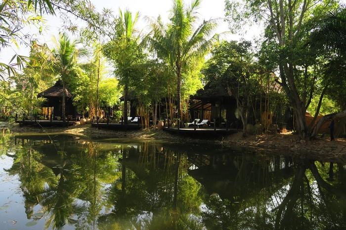 莱茵湖周围有很多幽密的水道,缅甸水乡建筑是个难得一见的景观。