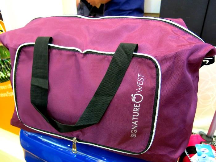 凡是购买欧美旅游配套,能免费获得一个精美的折叠式包包!