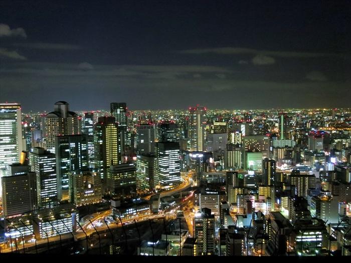 """大阪的夜景,有种""""规规矩矩""""的味儿。"""