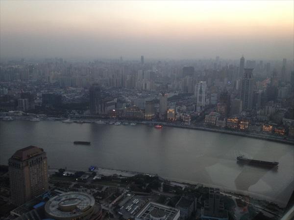 鸟瞰黄浦江。