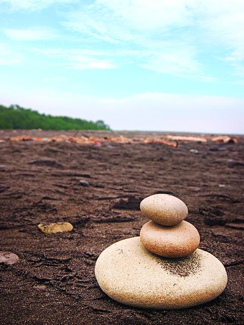 这就是海岸线长达7公里的三保之松原黑沙滩。