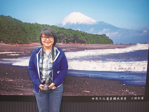 无缘与真的富士山合照,但我还是可以和富士山画像合照安慰自己。