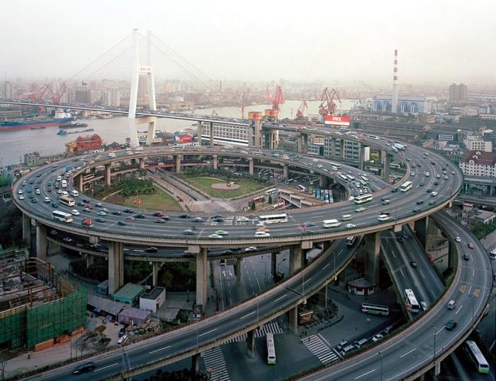 公路的科技建設是門學問;也是責任。