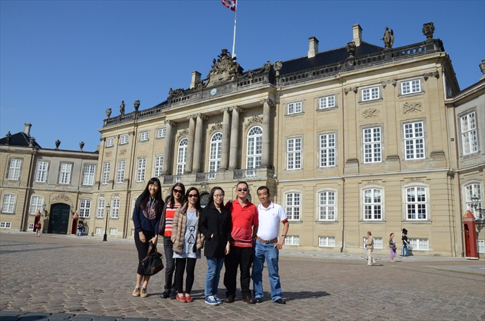 """阿美琳堡宫是有""""女王之城""""称号的丹麦王室主要宫殿。"""