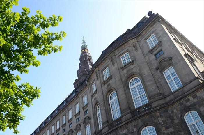 克里斯蒂安堡宫具有欧洲十八世纪洛可可式的建筑风格。