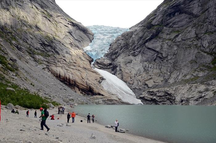 不愧是挪威热门的冰川景点。