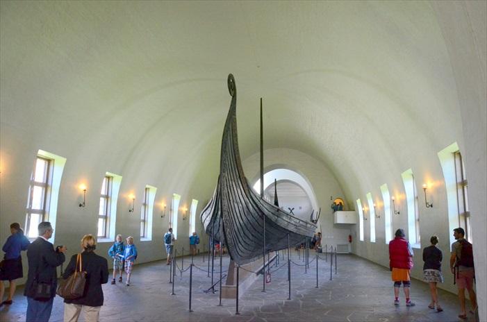 维京船博物馆就记载着挪威当年海盗盛行的年代。