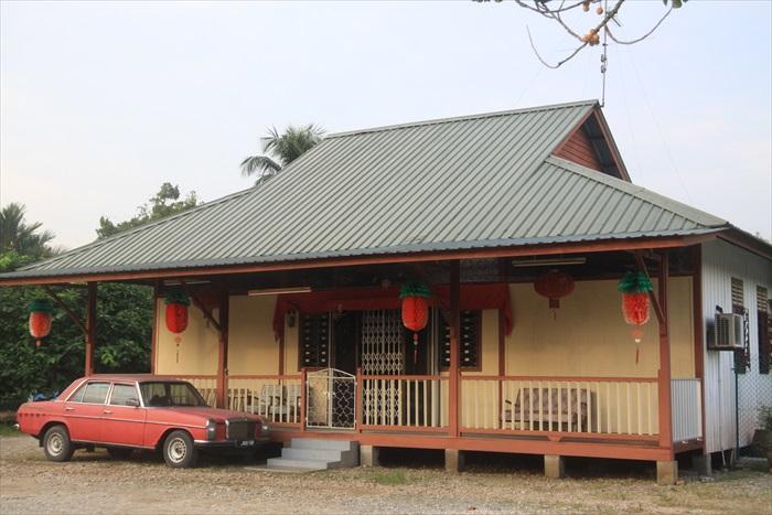 沿途所见古式华人高脚板屋,印象中只在吉兰丹见过。