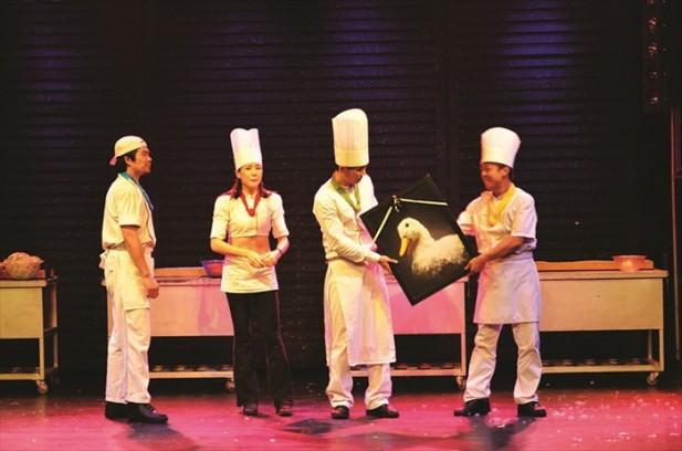 """由于厨师需要使用鸭子作为食材,于是厨师为鸭子准备了""""遗照""""!"""