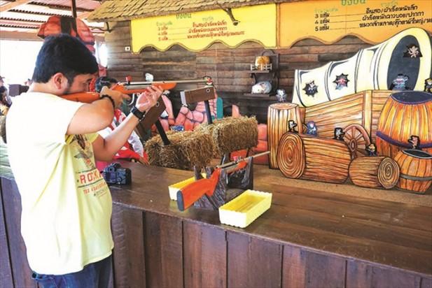 西部牛仔的射击游戏,不妨看看自己的枪法有多准。