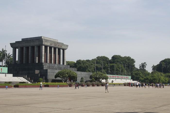 胡志明陵墓和故居(一)
