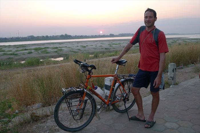 寮国的夕阳。