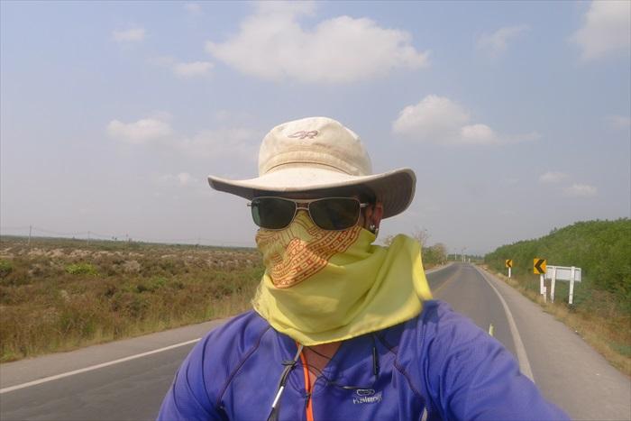 防风、防尘、防晒装备。