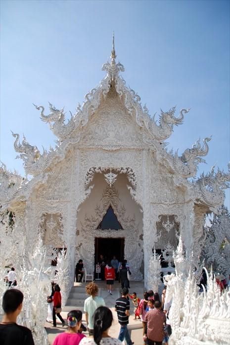 白庙主殿。