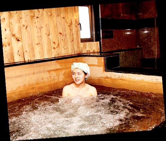 水疗、汗蒸幕、拔罐等也是美容旅游的选择。