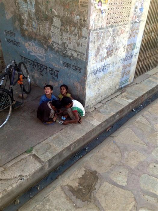街上的儿童。